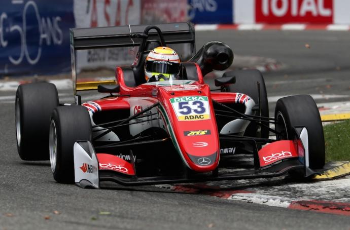 Live Formula 3 Grand Prix at Pau